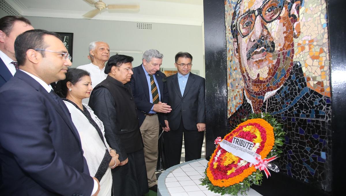 Bangladesh wants USA, Canada to send back Bangabandhu's 2 killers