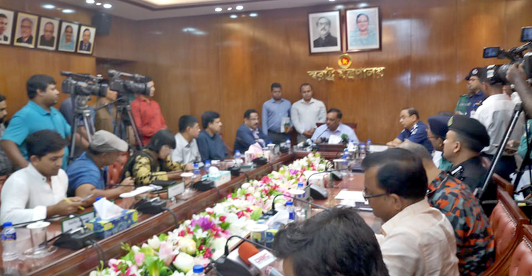 3.50 lakh law enforcers to be deployed in puja mandaps: Minister