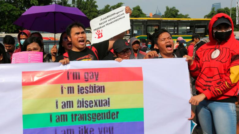 Indonesia to criminalize sex outside of marriage