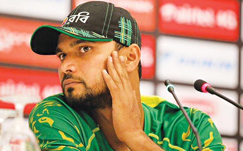Masakadza urges Mashrafe to write his autobiography