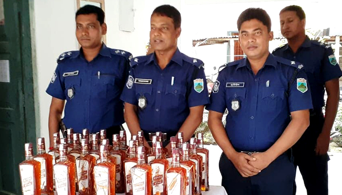 28 bottles of foreign liquor found in Padma