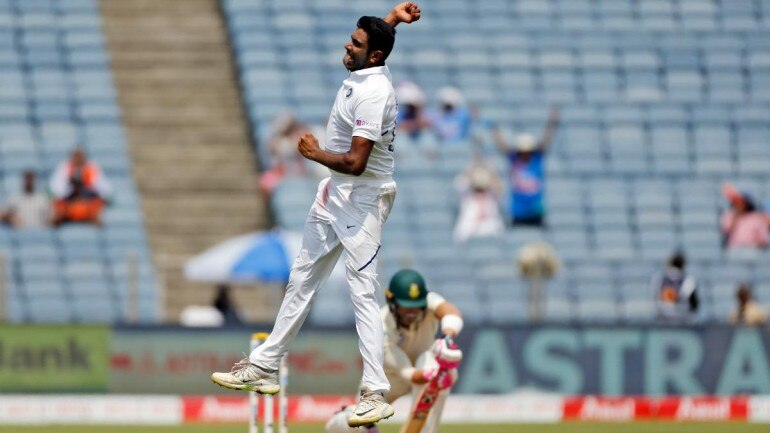 Du Plessis 50 fails to keep South Africa out of Test trouble