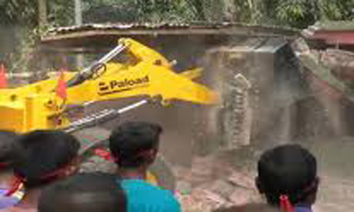 100 illegal structures demolished in Satkhira