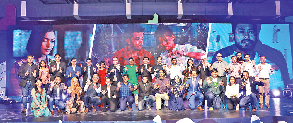 Communication Technology Division State Minister Zunaid Ahmed Palak and GP CEO Michael Foley pose along with members of the selected companies for Batch 6 in the GP Accelerator programme, at GP House in Dhaka on Wednesday.