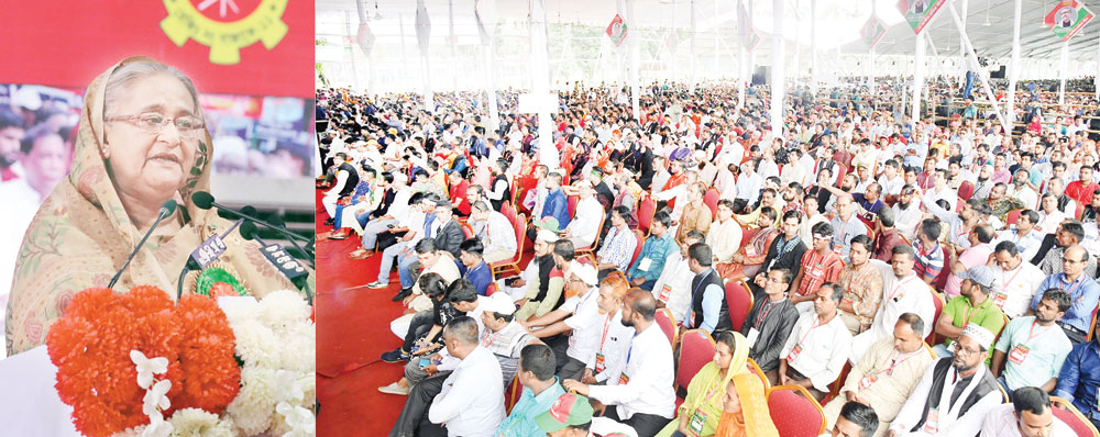 Prime Minister Sheikh Hasina addressing the inaugural session of the national council of Bangladesh Jatiya Sramik League at Suhrawardy Udyan in the city on Saturday.photo : pid