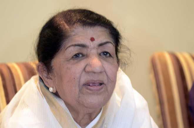 Lata Mangeshkar admitted to hospital