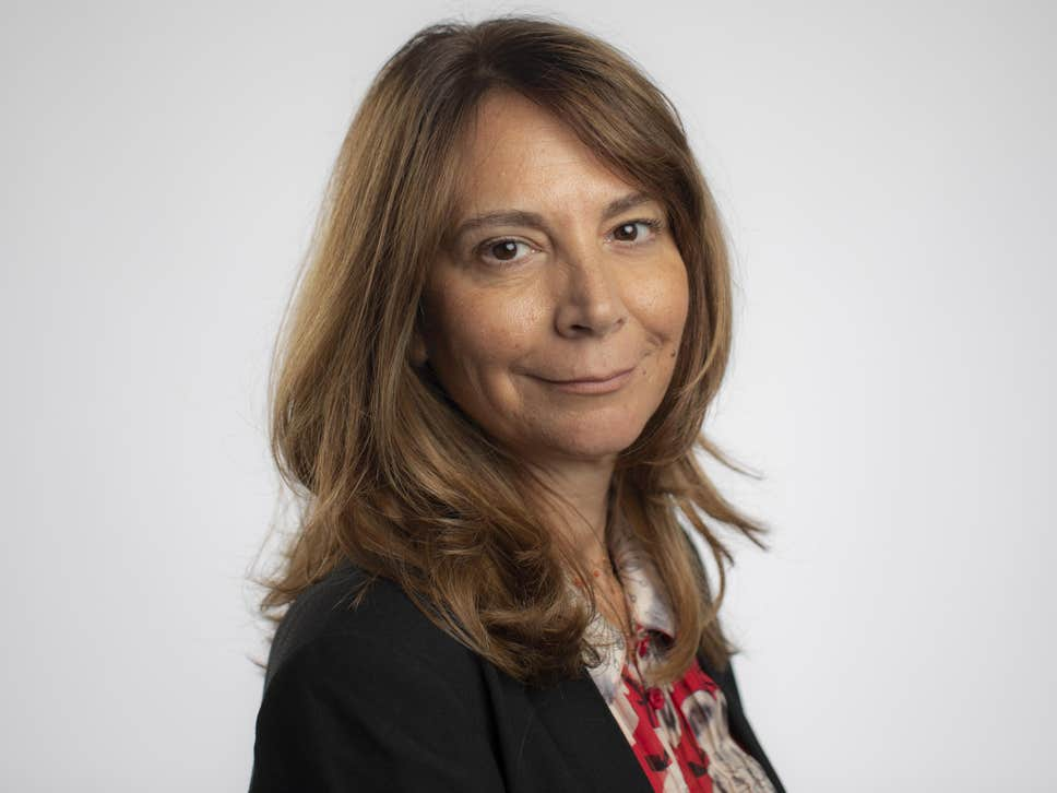 Financial Times appoints first female editor