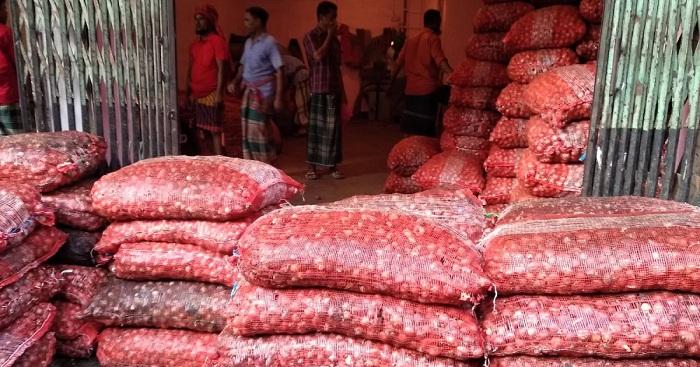 1st air cargo with Egyptian onion arrives Tuesday