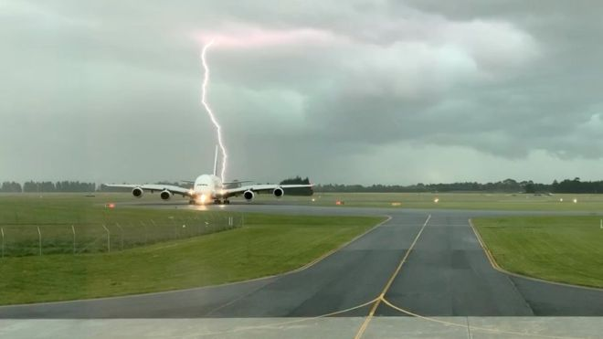 Lightning strikes near parked plane in Christchurch