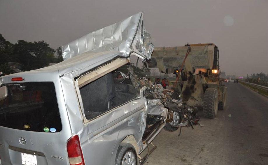 Probe body formed over Munshiganj road crash