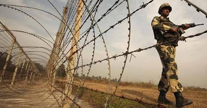 BSF 'picks' 2 Bangladeshis up from C'nawabganj border
