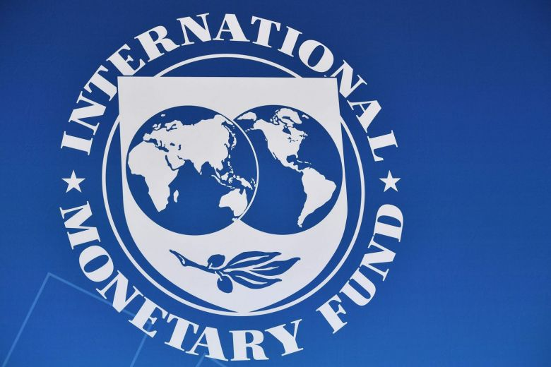 IMF and Ukraine reach tentative $5.5 bn aid deal