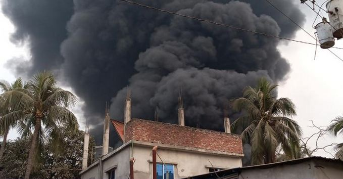 Death toll hits to 11 in Keraniganj plastic factory fire