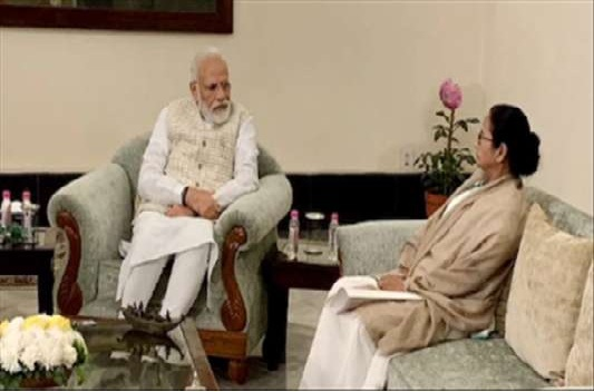 Mamata meets Modi, asks to rethink CAA, Citizens' List