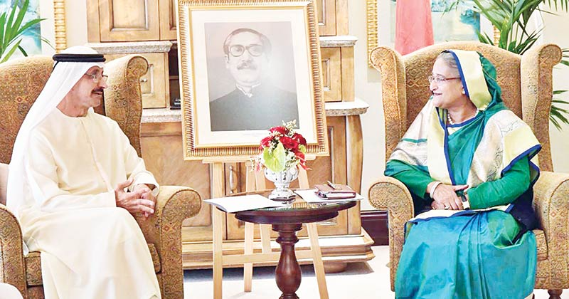 DP World Chairman Sultan Ahmed bin Sulayem meets Prime Minister Sheikh Hasina at her place of residence in Abu Dhabi.photo : pid