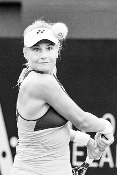 Kerber suffers Australian Open injury setback