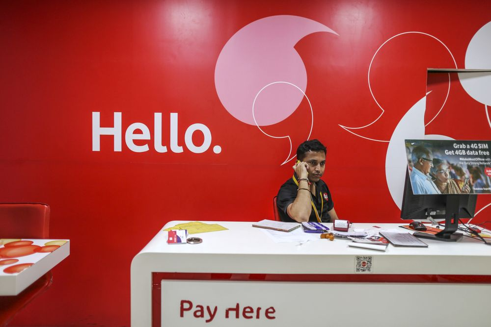 Vodafone India's shares plunge almost 40%