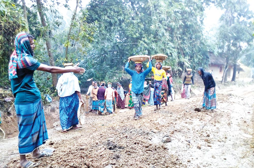 Farm labourers happy over off-time work at Dhamoirhat