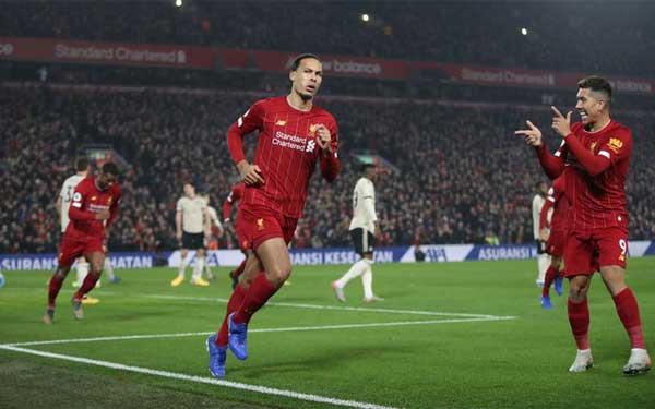Liverpool beat Man Utd 2-0