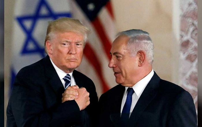 File photo: US President Donald Trump and Israeli Prime Minister Benjamin Netanyahu shake hands after Trump's address at the Israel Museum in Jerusalem May 23, 2017 --Reuters