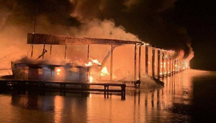 8 killed as flames engulf 35 boats in Alabama