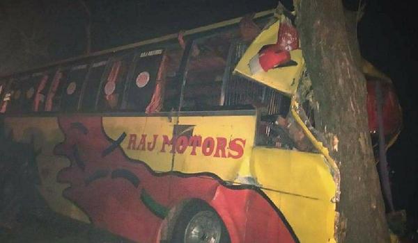 IU students, teachers among 40 hurt in road crash