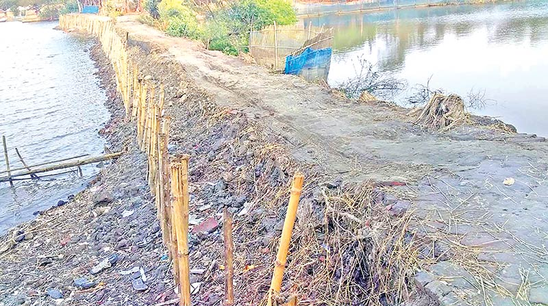 People suffer for lack of metalled road at Paikgachha