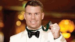 Warner takes step to redemption with top Australian cricket honour