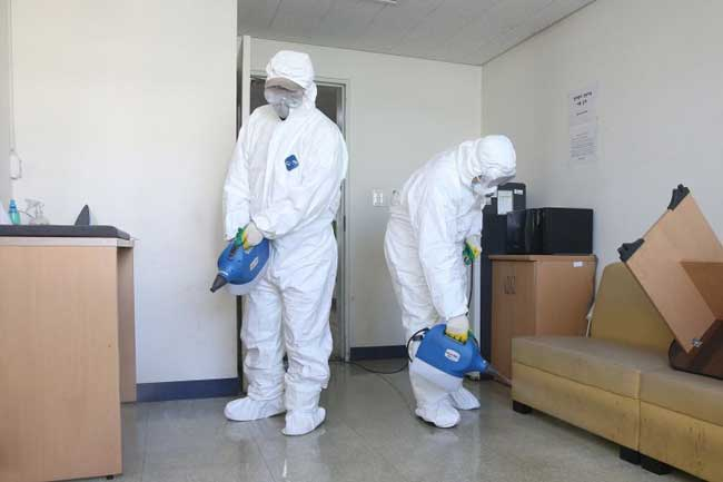 Coronavirus death toll exceeds 2,000