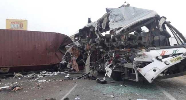 Tamil Nadu bus-truck collision kills 19