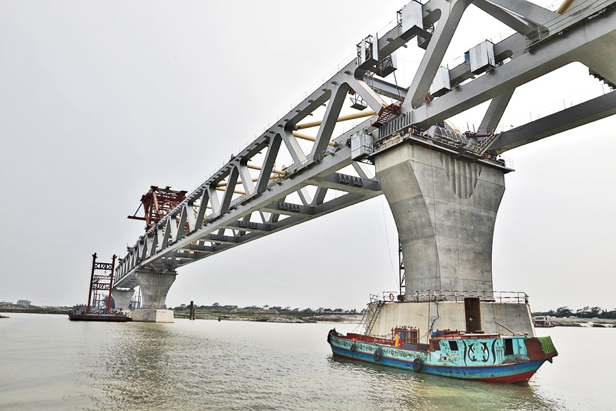 25th span of Padma Bridge installed