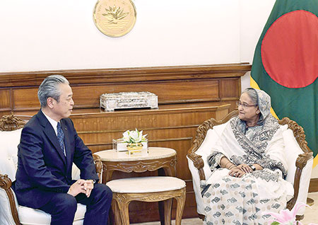 Satoshi Onoda, the president of JERA Co. Inc, the largest electricity producing firm in Japan, paid a courtesy call on Prime Minister Sheikh Hasina at her office in the capital on Monday.	photo : pid