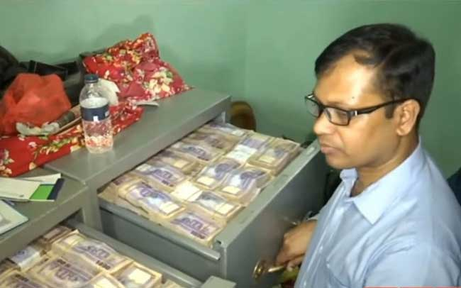 Cash, gold recovered from Enamul, Rupon's house