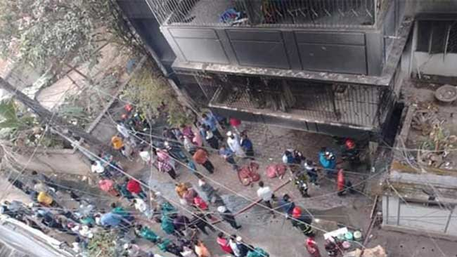 3 burnt alive in city building fire