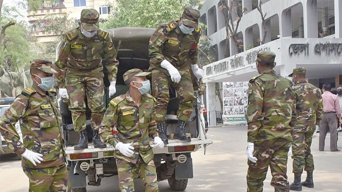 Bangladesh Army will strictly ensure social distancing and home quarantine from Thursday amid the coronavirus situation in the country.PHOTO: DAILY OBSERVER