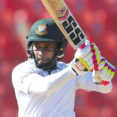 Mushfiqur's historical bat's price climbs to Tk 41 lakh
