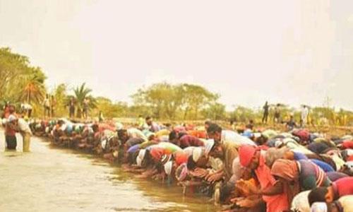 Eid jamaat in knee-deep water