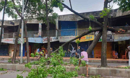 Power supply in Dhaka, Narayanganj disrupted by nor'wester