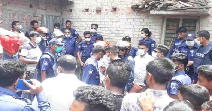One killed over mentioning donation money in Naogaon mosque