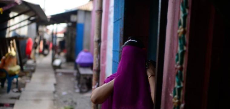 Bangladesh sex workers face hunger, abuse as coronavirus hits trade