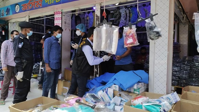 Two fined for selling fake corona safety materials