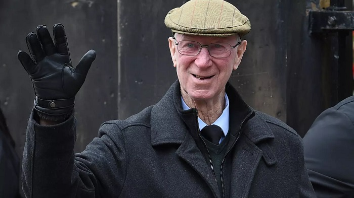 Jack Charlton 1966 World Cup winning defender with England and a cult hero in Ireland for his success as national team manager has died aged 8 85 AFP/File