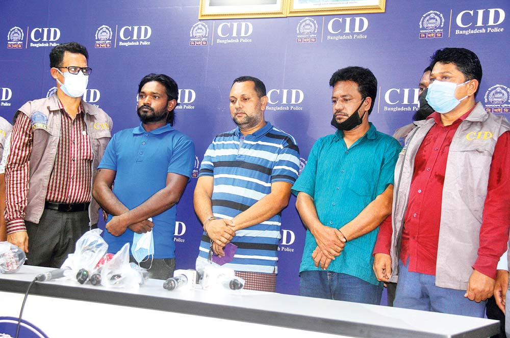 Md Azam Khan, the supposed ringleader of human trafficking, and his associates Anowar Hossain Moyna and Alamin Hossain alias Diamond were held in the capital        on Sunday. 	PHOTO: OBSERVER