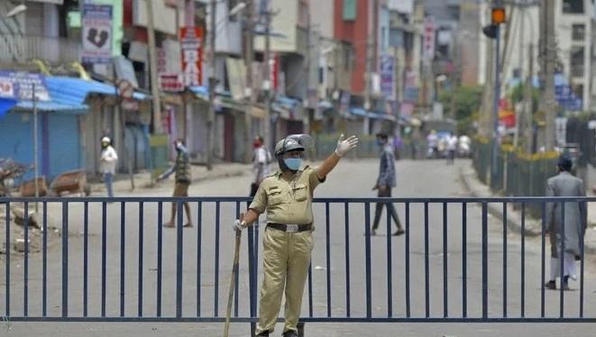 India IT hub Bangalore in lockdown as coronavirus cases rise
