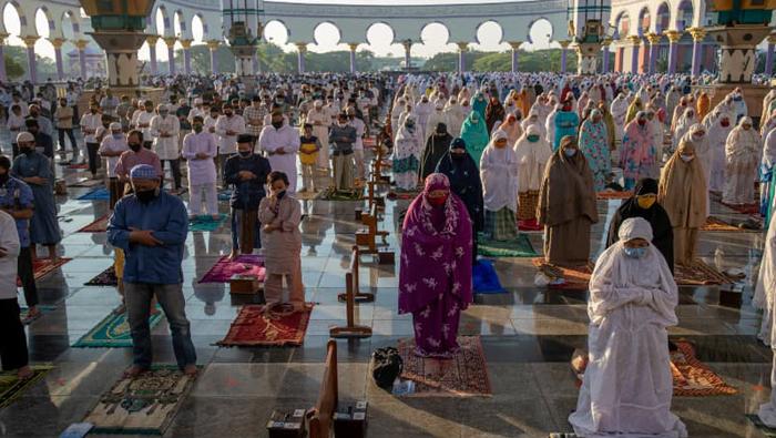 Eid-ul-Azha celebrated in parts of the world amid virus spread