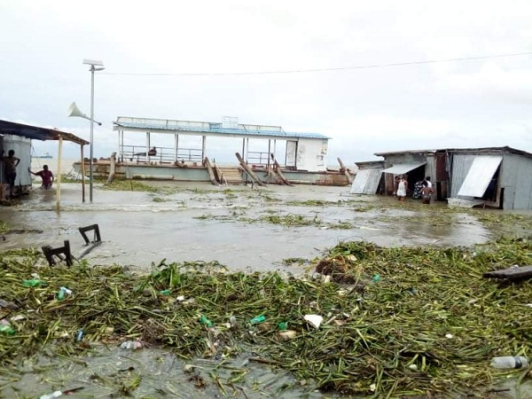 Bhola's low-lying areas flooded by high tide