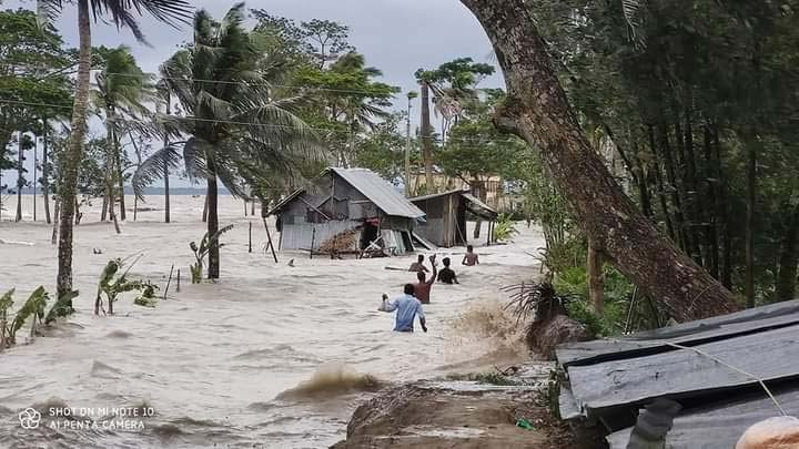 32 villages of Daulatkhan flooded by high tide