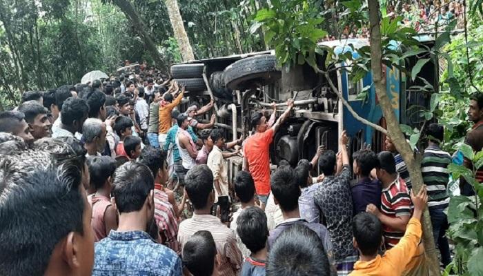6 killed in Chuadanga road accident