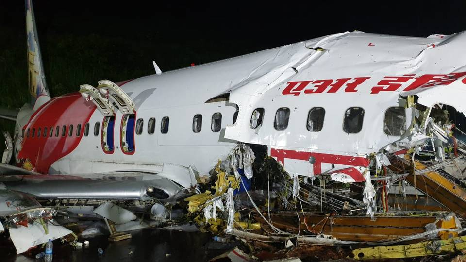 Dhaka shares grief with Delhi over plane crash