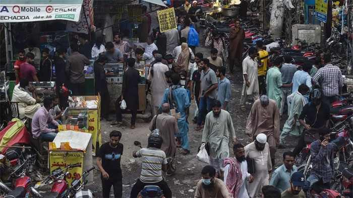 Health experts feared Pakistan's crowded cities would provide fertile breeding ground for the coronavirus AFP